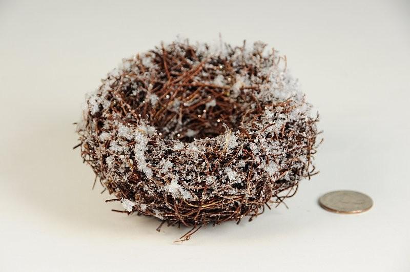 "Nest Snow Brown Twig 4"""