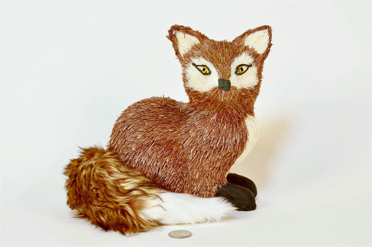 "Fox Brown Jute/Fur Tail Sitting 8.5"""