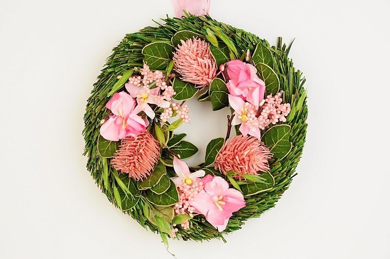 Wreath Green Leaf w/Pink Flower/Thristle 6""