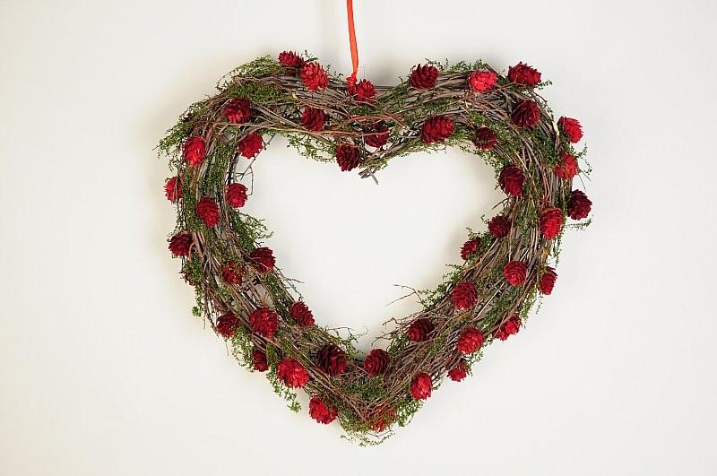 "Wreath Heart Brown Twig/Red Mini Cone 16"""