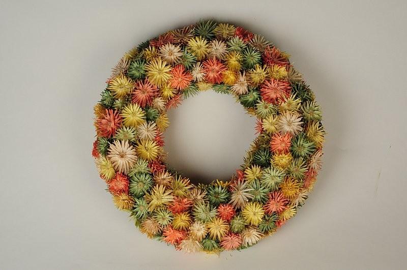 "Wreath Multi-Color Thristle Diasy 12"""