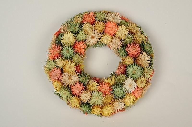 "Wreath Multi-Color Thristle Diasy 8"""