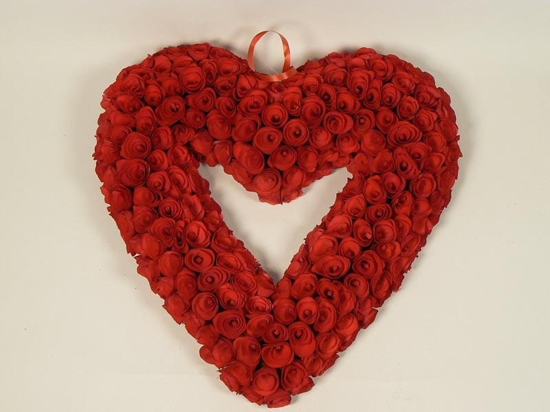 Wreath Heart Red Woodchip 19""