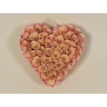 Wreath Heart Pink Woodchip 8""
