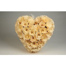 Wreath Heart Cream Woodchip 8.5""
