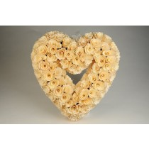 Wreath Heart Cream Woodchip 13""