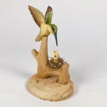 Humming Bird Grn w/Baby Wood Craved 6""