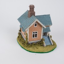 House w/Blu/Grey Roof 8""